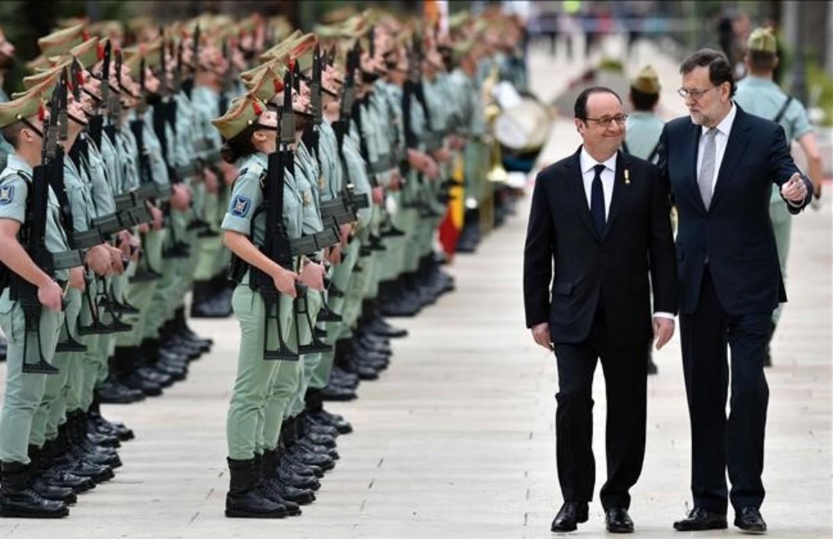 El presidente de Francia, François Hollande, y el presidente del Gobierno, Mariano Rajoy, antes dela cumbre bilateral en Málaga.
