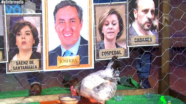 La gallina Genoveva designa a Joserra.