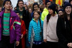Thunberg encabezó una manifestación que convocó en Edmonton, a unos 3.300 kilómetros al noroeste de Toronto.
