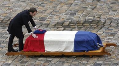 Francia rinde homenaje al policía héroe de Trébes