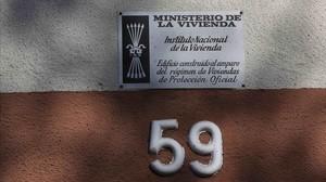 Gràcia retirarà les plaques franquistes que encara queden en 166 edificis