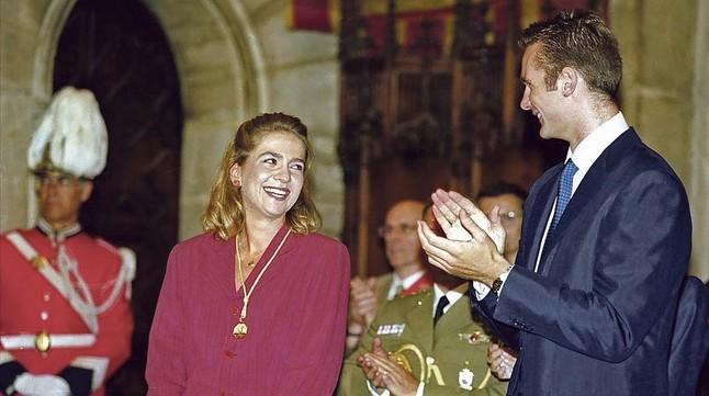 La infanta después de recibir el premio en 1997