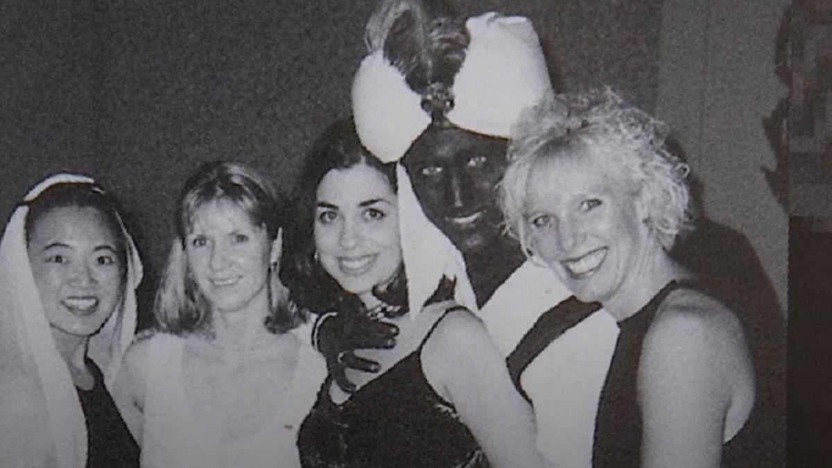 Trudeau reconoció que la imagen es racista aunque no lo consideró racista en su momento.