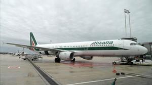 Alitalia, nuevamente mantenida a flote con dinero público