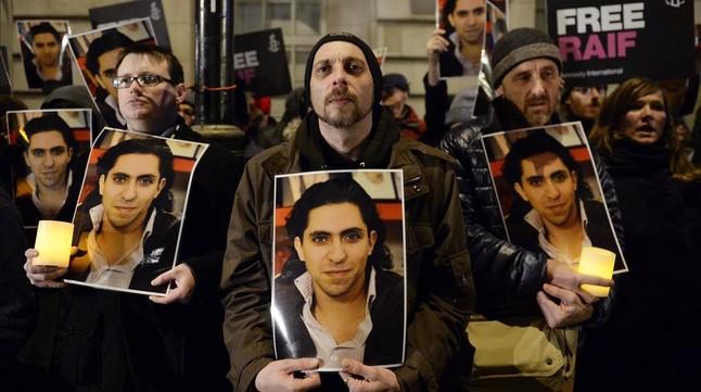 Manifestación en favor de Badawi ante la embajada de Arabia Saudi en Londres, en enero del 2015.