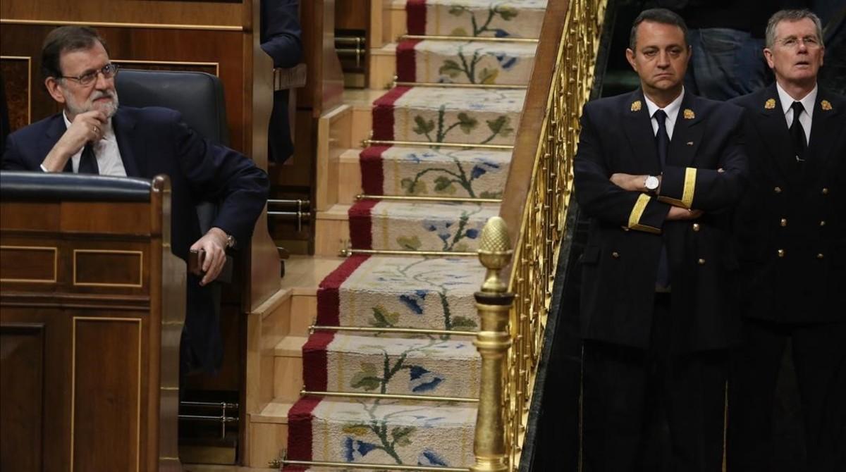 Mariano Rajoy atiende la intervención de Irene Montero, este martes, en el Congreso.