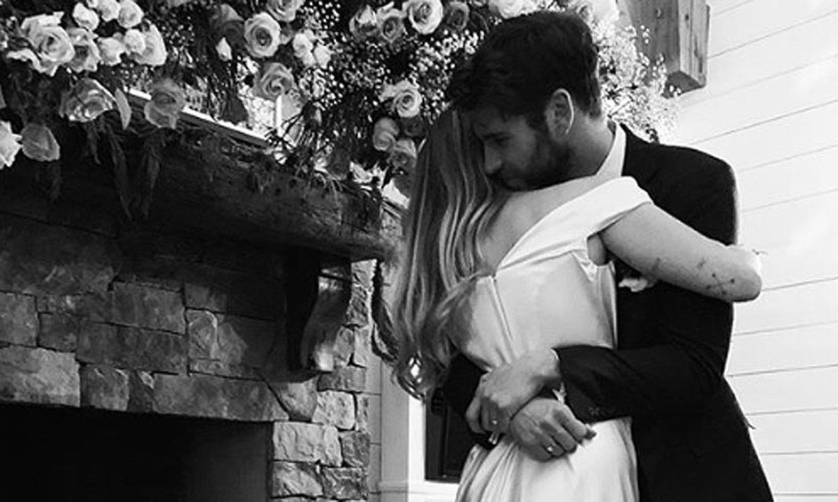 Miley Cyrus y Liam Hemsworth sorprenden con...¿Boda en Navidad?
