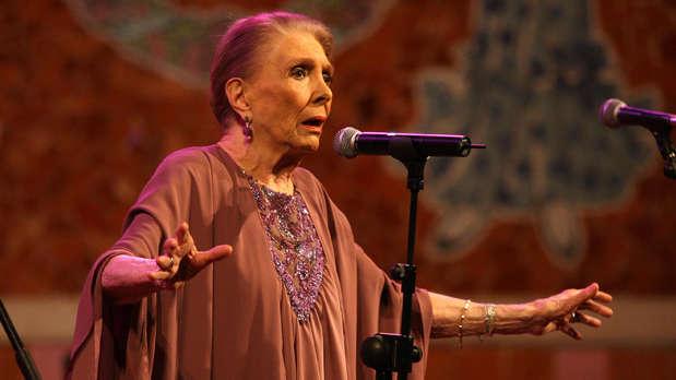 Muere María Dolores Pradera, gran dama de la canción