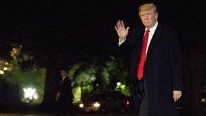 El presidente de EEUU Donald Trump a su llegadaa la Casa Blanca.