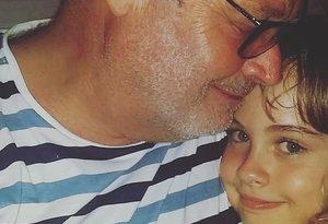 Pablo Carbonell con Mafalda, su hija pequeña.