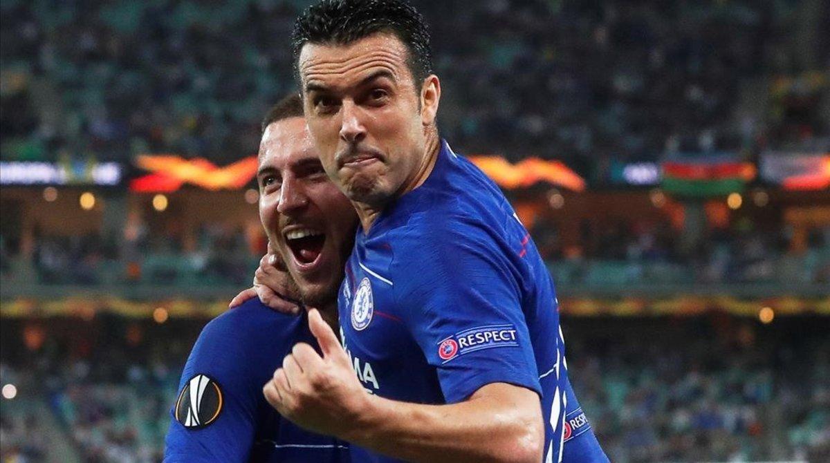 Pedro celebra su gol con Hazard en el momentáneo 2-0 sobre el Arsenal en la final de la Europa League.
