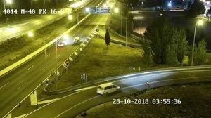 El hombre atropellado, en la parte trasera de la furgoneta.