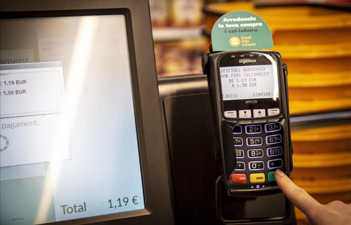 Redondeo solidario en los supermercados Bonpreu para recoger fondos para el Casal dels Infants.