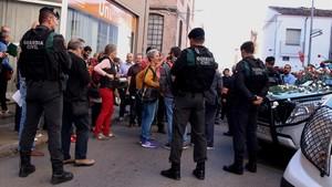 Registro de la Guardia Civil frente a la empresa Unipost, en Terrassa, el 19 de septiembre del 2017.