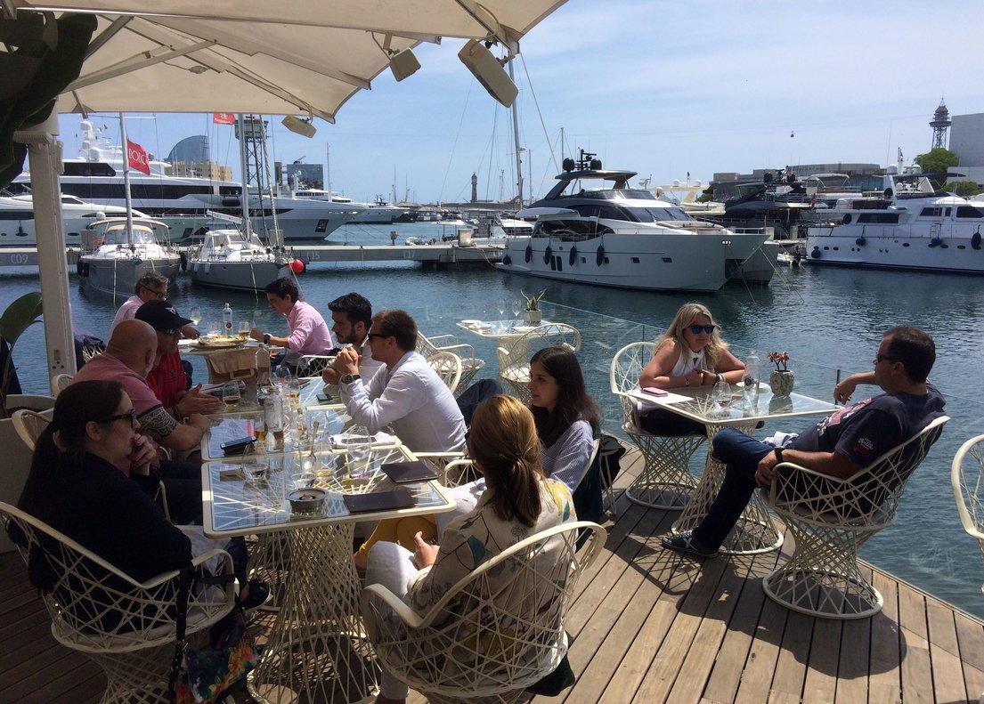 La terraza del restaurante OneOcean, en el Port Vell.