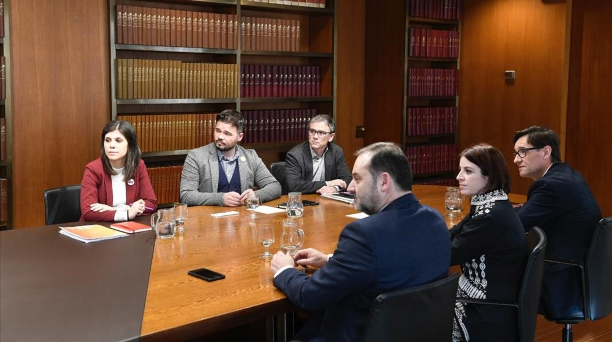 Reunión entre ERC y PSOE en la sede de la AMB.