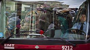 Un autobús de la flota municipal de València, en una imagen de archivo.