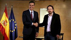 Sánchez e Iglesias, antes de la reunión de este martes.