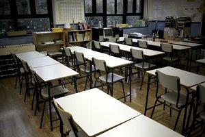 Un aula vacía de alumnos.