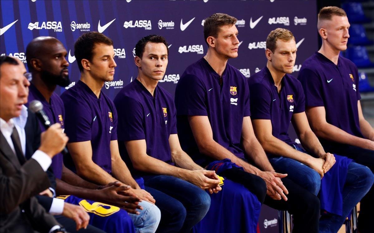 Singleton, Pangos, Kuric, Pustovyi, Blazic y Smits, los seis fichajes del Barça en su presentación
