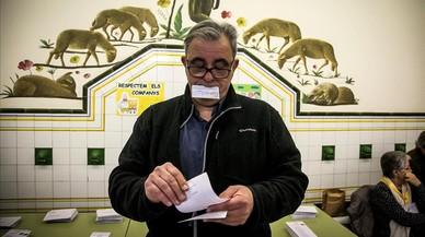 El PP y el PDECat votan en contra de aumentar el control de los partidos