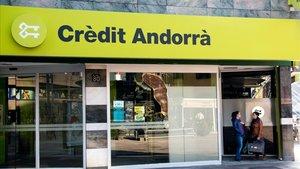 Oficina central de Crèdit Andorrà.