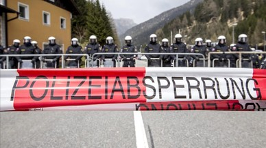 Austria envía blindados en la frontera con Italia para frenar a los refugiados