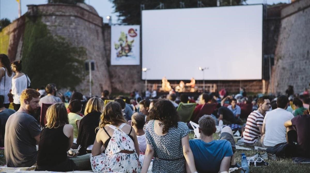 BCN retalla un 25% les sessions de la Sala Montjuïc, el seu macrocine a l'aire lliure