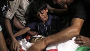 Funeral por Amir al Nimrar en Gaza.