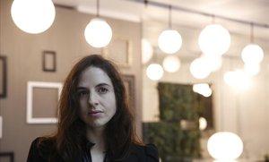 """Cristina Morales guanya l'Herralde de novel·la amb un """"cop de puny"""" a l'estigma de la discapacitat intel·lectual"""