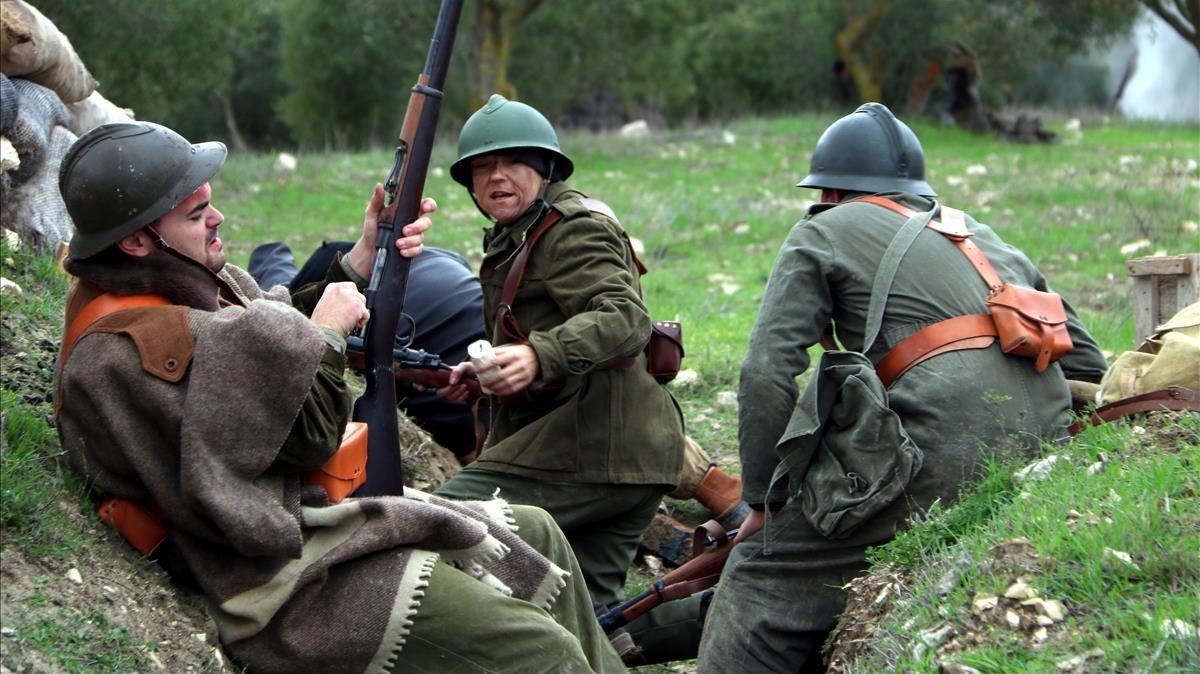 Recreación de una trinchera republicana en el último combate de la batalla del Ebro, en La Fatarella.