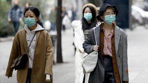 Farmàcies de BCN, Madrid i València esgoten les màscares pel coronavirus
