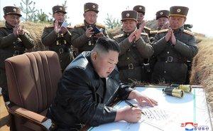 Pyongyang llança dos míssils en plena crisi epidèmica