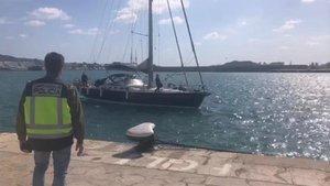 La Policia atura un veler que anava a Eivissa amb 6.000 quilos d'haixix