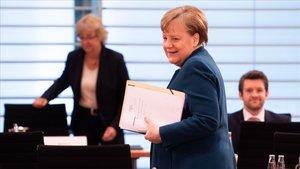 La crisi del coronavirus marca la lluita per la successió de Merkel a la CDU