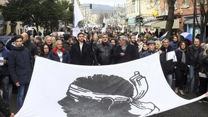 zentauroepp41893791 residents of the corsica island take the streets behind a f180203182959