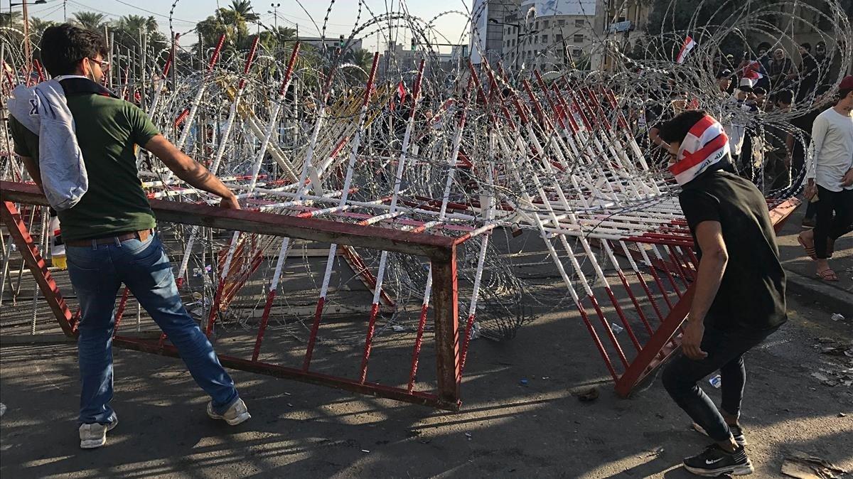 Bagdad, augmentan las manifestaciones antigubernamentales.