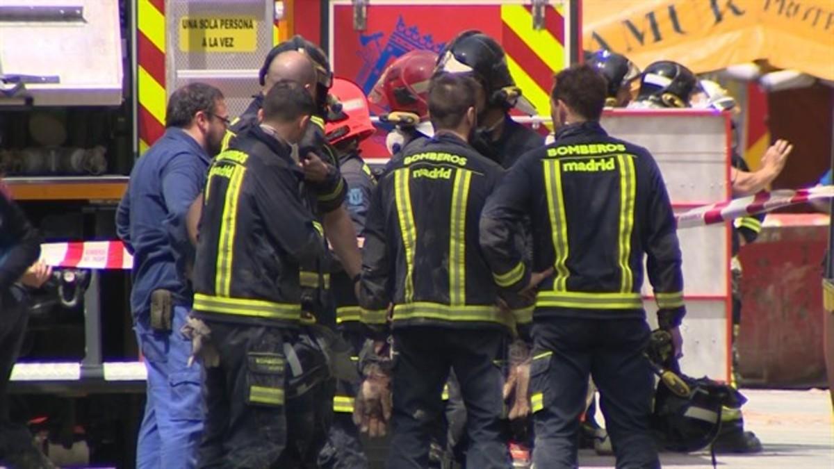 Segunda noche de rescate en el derrumbe en Madrid sin noticias de los dos desaparecidos