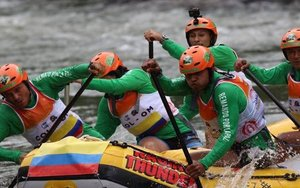 El equipo colombiano Remando por la pazintegrado por excombatientes de las FARC.