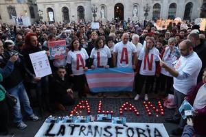 Concentración en recuerdo de Alan, en la plaza de Sant Jaume, en diciembre del 2015.