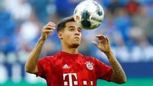 Coutinho controla un balón en el partido de su debut con el Bayern.