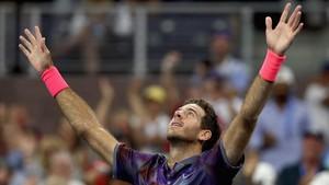 Del Potro salva dos match ball pese a la gripe y se cruza en cuartos con Federer