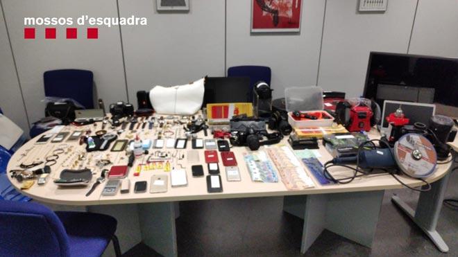 Desarticulado un grupo criminal dedicado a robar en domicilios de Barcelona.