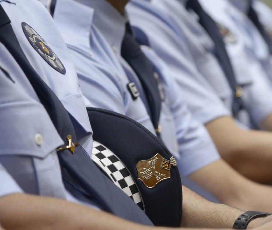 Detalle de los uniformes de los agentes de la Guardia Urbana de LHospitalet