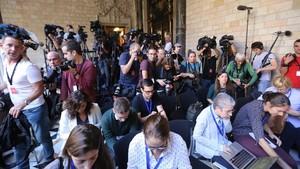 Expectación mediática ante la comparecencia de Carles Puigdemont, el pasado 26 de octubre, que finalmente se suspendió.
