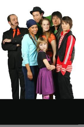 La Família del Super 3 cuando debutaron en el 2006: el Sr. Pla, Pati Pla, Fluski, Àlex, Lila, Pau y Roc.