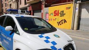 Una pintada firmada por la CUP a favor del referéndum del 1 de octubre