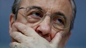 Florentino Pérez, presidente del Real Madrid, en una imagen, desolado, en los momentos malos del pasado año.
