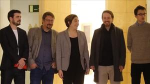 Garzón, Domènech, Iglesias y Errejón acompañan a Colau en un coloquio en Madrid.