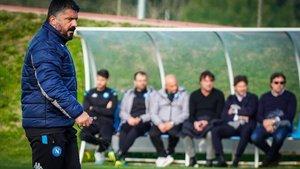 Gattuso dirige el último entrenamiento del Nápoles en su ciudad deportiva, situada en Caserta.
